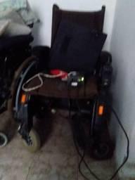 Cadeira de roda motorizada