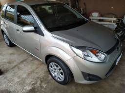 Fiesta 1.6 flex class completo + Air bag