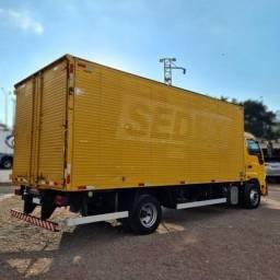 Caminhão Iveco Baú