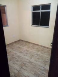 Título do anúncio: Aluga-se casa 2/4 Rua Ipitanga- itapua
