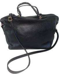 bolsa feminina preta grande em couro com alça tiracolo e de mão