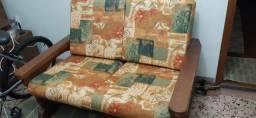 Sofá de madeira maciça gramado