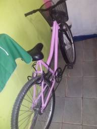 Vendo essa bicicleta pouco tempo de uso