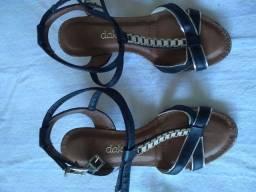Título do anúncio: Sandálias usadas.