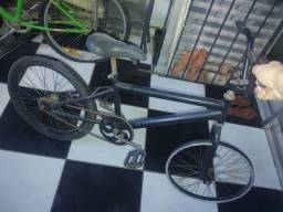Bicicleta aro 20, preta