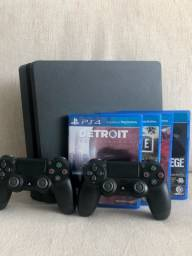Título do anúncio: PlayStation 4 slim 1T c 2 controles e 4 jogos