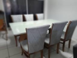 Mesa madeira com tampo laqueado +6 cadeiras modelo tulipa