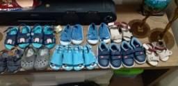 Título do anúncio: Sapatos infantis e adultos pouco usados como novo