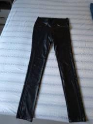 Calça couro ecológico/ fake tamanho 36