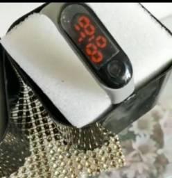 Relógios feminino digital e ponteiro