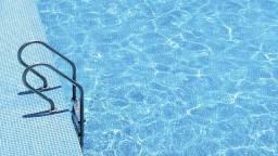 Limpa piscina cristal!