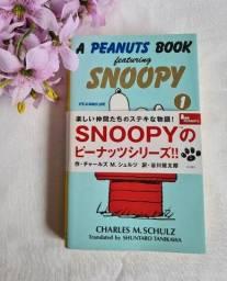 livro snoopy em ingles e japones