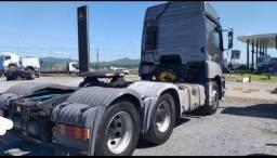 Caminhão Mercedes Bens