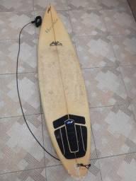 Prancha de surf (quilha quebrada) -