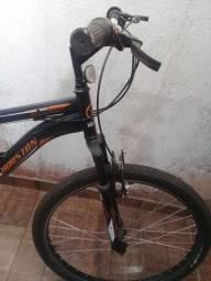 Bicicleta aro 26 usada em bom estado