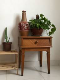 Título do anúncio: Mesa de canto decorativa vintage anos 1950