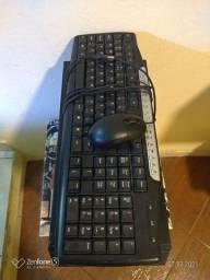CPU com teclado e mause