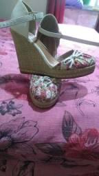 Vendo sapatos semi novos