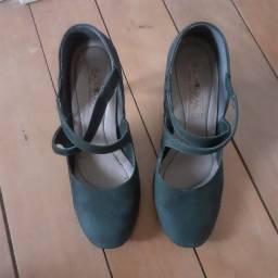 Título do anúncio: Sapato preto salto fino