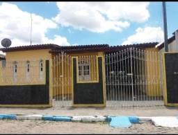Aluga-se -se uma casa em Governador Mangabeira-Ba