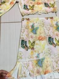 Conjunto estampado de saia e blusa