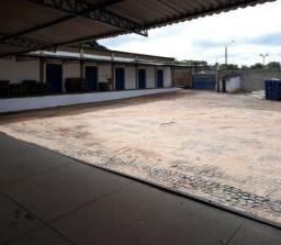 Aluga-se excelente galpão na Av. Maria Antonieta Burlamaqui, Zona Leste de Teresina