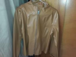 Vendo essa jaqueta tipo coro nunca foi usada feminina tmh G