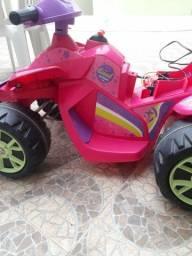 Quadriciclo infantil a bateria