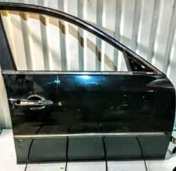 Porta diant direita Azera 2011(completa com vidro e máquina) $857,00