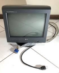 Monitor de tubo, marca LG, modelo flatron ez T530S (15 polegadas). Falha no funcionamento