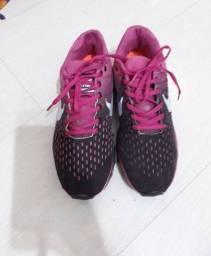 Tênis Nike tamanho 36 rosa AirMax