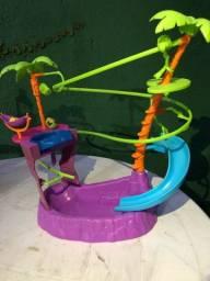 Piscina e Tirolesa da Polly | Brinquedo Mattel