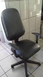 Cadeira Presidente Barata