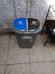 Lixeira com divisão,lixo orgânico e reciclável