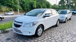 ONIX 2015 LT (carro novo)