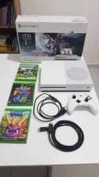Xbox One S 1TB + 3 jogos + nota fiscal