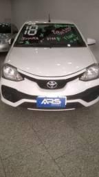 Título do anúncio: Toyota Etios Sd X 15L Mt completo entrada + Parcelas de 48x1100