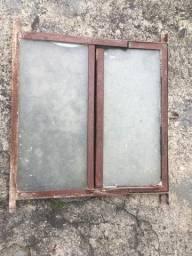 Janela Basculante 40x40 de ferro antiga e usada.