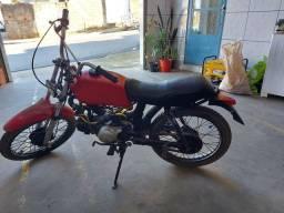 Vende se um moto agrale com motor de biz