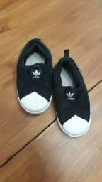 Tênis Adidas 21/22