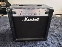 Amplificador Marshall MG Carbon Fibre MG15CF