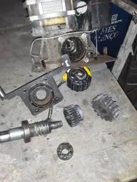 Título do anúncio: Serralheiro  manutenções  em motores de portões automáticos