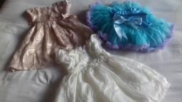 Lote de vestidos de menina