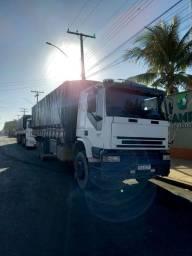 Título do anúncio: Truck iveco 320 2009 troca cavalinho