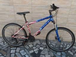 Bicicleta de alumínio aro 26 aceito cartão 2 x 300