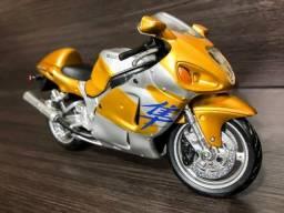 Título do anúncio: Miniatura Moto Suzuki GSX 1300R Hayabusa 1:12 Maisto