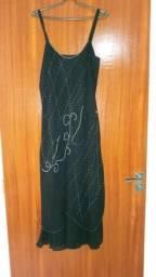 da68e49ecd5 Vestido de festa em organza preto com encharpe