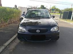 Vendo Corsa sedan 1.0 a álcool - 2006
