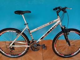 Bicicleta aro 26 nova de  alumínio