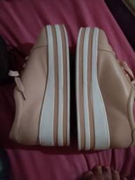 Vendo dois pares de sapatos, da sapatinho de luxo n°38